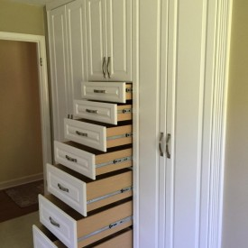 Small Closet – White Built-Ins