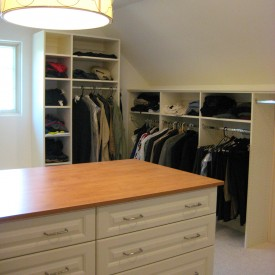Walk In Closet – Angled Ceiling and Island