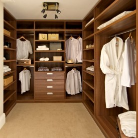 Walk In Closet – Clean