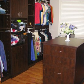 Walk In Closet – Island Feature